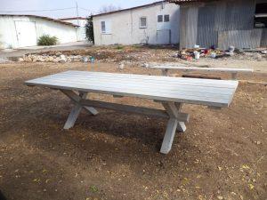 שולחן נזירים גדול